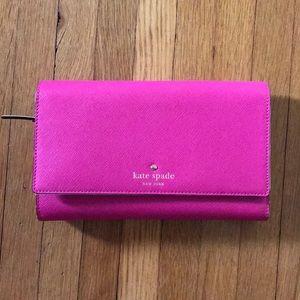 Kate spade ♠️ travel wallet - hot pink!